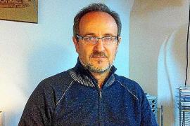 Antoni Borràs ist Architekt und Geograf sowie passionierter Altertumsforscher mit großem Interesse an Archäologie und Landvermes