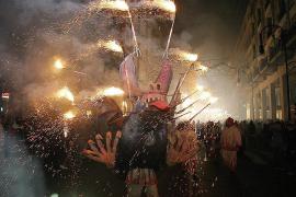 """Bis 2007 fand der """"Correfoc"""" in ähnlicher Form statt wie 2013."""