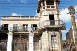 Die Villa de la Torre, das Haus mit dem Wohnturm, hat mittlerweile sogar seine Palmen eingebüßt.