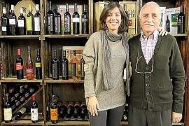 Silvi Rullán Navarro und ihr Vater haben bei den spanischen Kunden eine Vorliebe für die Guía Peñín ausgemacht.