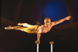 Mix aus Zirkuskunst und Straßentheater