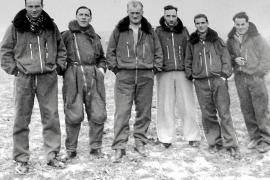 Eine seltene Aufnahme: Sechs italienische Kampfflieger auf Mallorca.