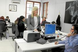 010, Ratgebertelefon im Rathaus von Palma