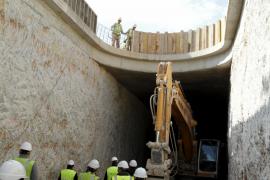 Ortstermin im Tunnel: Noch dauern die Arbeiten bis Juni.