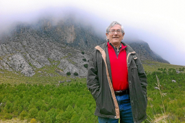 "Carlos Zayas vor ""seinem"" Wald am Puig Major."