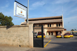 Tochter (14) auf Mallorca eingesperrt, weil sie rauchte