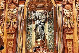 Die Schwarze Madonna ist das Ziel vieler Pilger.