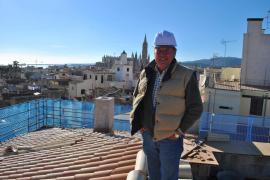 Peter Ödlund über den Dächern von Palma.