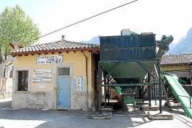 Die Genossenschaftszentrale mit dem neuen Museum und die Öko-Finca liegen in direkter Nachbarschaft an der alten Landstraße von
