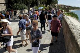 Mallorca: Ein Bierchen auf der Stadtmauer