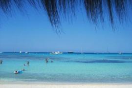 Mallorcas Traumstrände (noch) ohne Liegen und Schirme