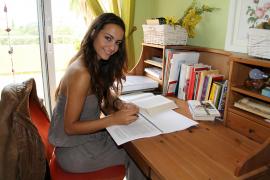 Am Schreibtisch dürfte Verónica Hernández in Zukunft häufiger anzutreffen sein.