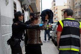 """Polizeiaktion gegen Mallorcas """"Nelkenfrauen"""""""