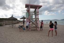 Kult um rosa Strandwächterturm