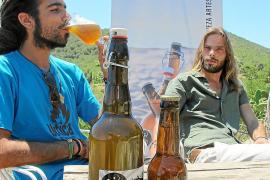 """Das """"Ibosim Summer Ale"""" ist bei Ibiza-Besuchern gerade in der heißen Jahreszeit sehr als Erfrischung geschätzt."""