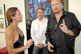 Sonja Kirchberger im Gespräch mit Galerist Harry Mensing (M.) und Künstler Charles Fazzino.