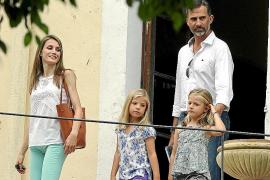 Szenen des königlichen Mallorca-Sommers: Prinz Felipe und Familie beim pressefreundlichen Besuch des Museums La Granja.