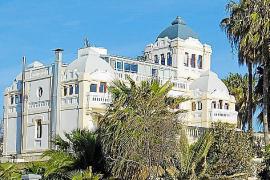 Das Hotel Ciutat Jardí (vier Sterne) öffnete seine Pforten im Jahre 1921.