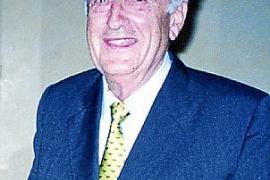 """Hans Dichand, späterer Medienzar in Wien, diente als Deutscher auf der """"Orsa""""."""