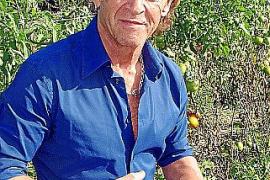 Peter Maffay, hier auf seiner Finca Can Sureda bei Pollenca, hat schon vor vielen Jahren sein Herz für die Öko-Landwirtschaft en