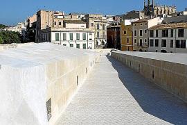 Der Ausbau des 5000 Quadratmeter großen Platzes auf der Mauer hat 3,5 Millionen Euro gekostet.