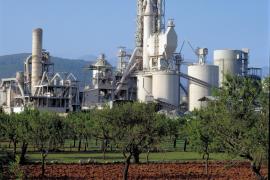 Mitarbeiter des Zementwerks Lloseta akzeptieren Lohnkürzungen