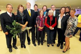 Abschied vom Kirchenvorstand (vl): Pfarrer Manfred Otterstätter, Klaus-Peter und Brigitte Weinhold, Jörg Stümke, Waltraud Teisin