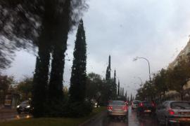 Weiter Regen, Schnee und Kälte