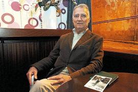 """Der Journalist und Radiomoderator José Jaume möchte die Erinnerung an die deutsche Jüdin """"Bob"""" und ihre Eltern wachhalten, am li"""
