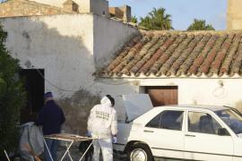 Die Beamten untersuchten die Finca an zwei Tagen für mehrere Stunden ohne eine Spur von Malen zu finden.