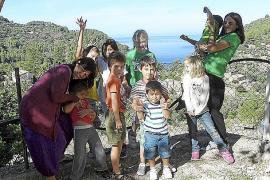 Familiär und locker geht es in der Zwergschule von Estellencs zu.