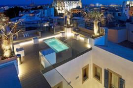 Die Dachterrasse des Hotels Palma Suites: In Palmas Gerrería-Viertel gelegen, fünf Sterne, 35 Suiten, eröffnet im Juni 2013.