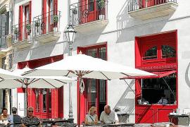Hotel Cort am Rathausplatz in Palma, Vier-Sterne-plus, 14 Suiten und zwei Doppelzimmer, eröffnet im Sommer 2013.
