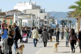 Täglich wird die Meerespromenade von vielen Menschen (und Hunden) zum Flanieren genutzt.