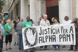 Freunde und Menschensrechtsorganisationen forderten die Justiz auf Demonstrationen zum Handeln auf.