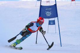 Die erfolgreiche paralympische Skifahrerin Úrsula Pueyo in Aktion vor wenigen Tagen in Girona.