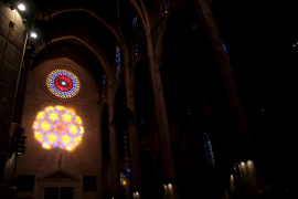 Der magische Moment: Die Lichter-Acht in der Kathedrale.