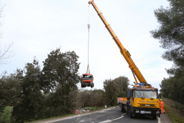 Tankwagen verliert bei Unfall 350 Liter Heizöl