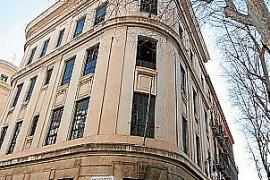 Das Foto zeigt das kürzlich versteigerte Telefónica-Gebäude.