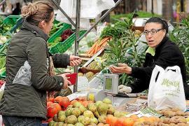 Guter Start des neuen Wochenmarktes in Peguera