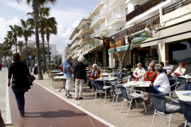 Geöffnete Cafés in Cala Millor.