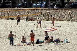 Treiben am Strand.
