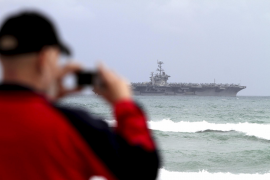 """Der US-Flugzeugträger """"USS Harry S. Truman"""" ist ein beliebtes Fotomotiv."""