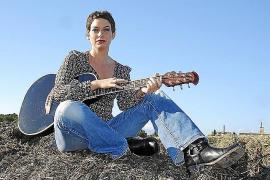 Daniyella ist für die musikalische Untermalung zuständig.