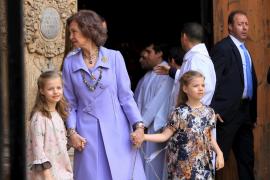 Königin Sofía mit ihren beiden Enkelinnen Eleonor und Sofía.