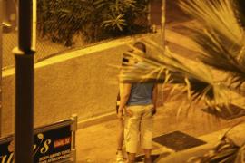 Freier müssen an der Playa de Palma ab Juni mit Geldbußen rechnen, nicht aber die Prostituierten.