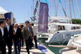 Balearen-Präsident José Ramón Bauzá (2.v.l.) und Palmas Bürgermeister Mateo Isern bei der Eröffnung der Boatshow.
