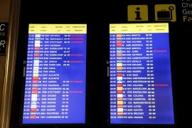 Tausende Passagiere von Fluglotsenstreik betroffen