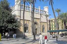 Gotik made in Mallorca, aus dem Jahre 1448. Die Lonja prägt das gleichnamige Viertel in der Altstadt von Palma.