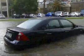 Der am Dienstag von Wassermassen überflutete Paseo Marítimo in Palma.